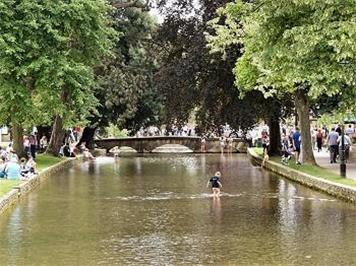 - Tourism in Bourton-on-the-Water